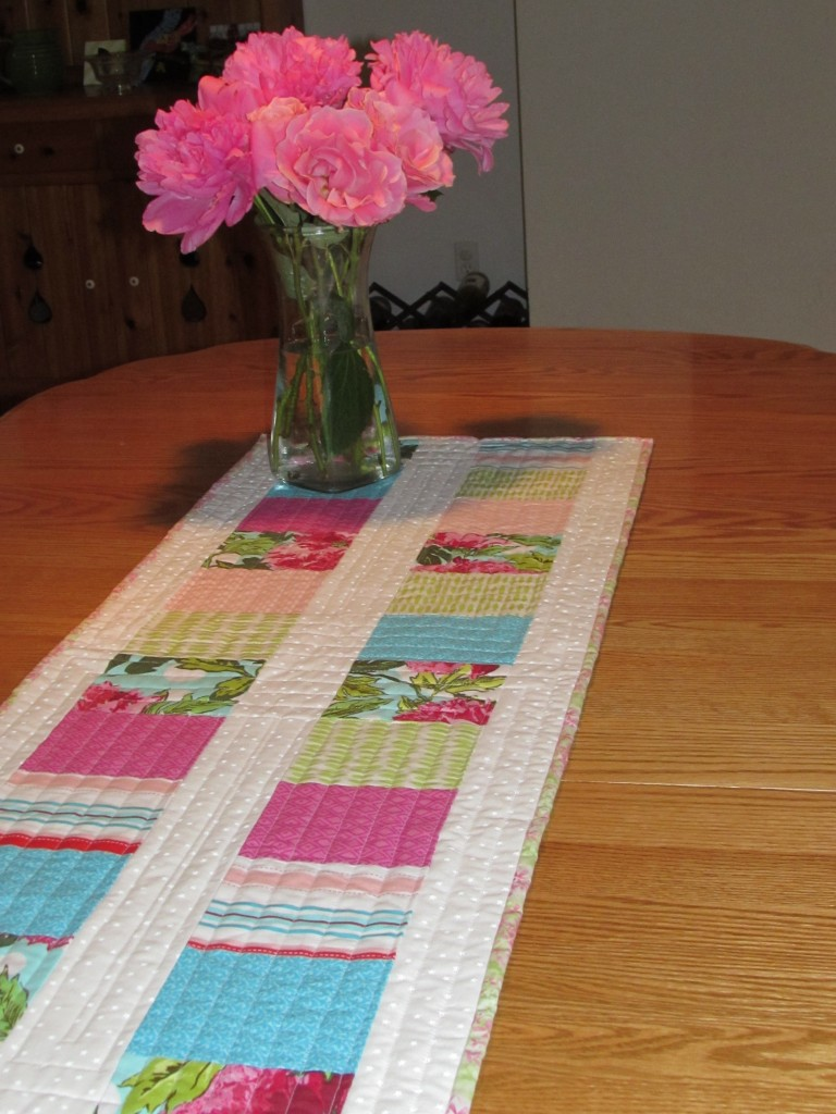 Mother's Day Tablerunner May, 2014